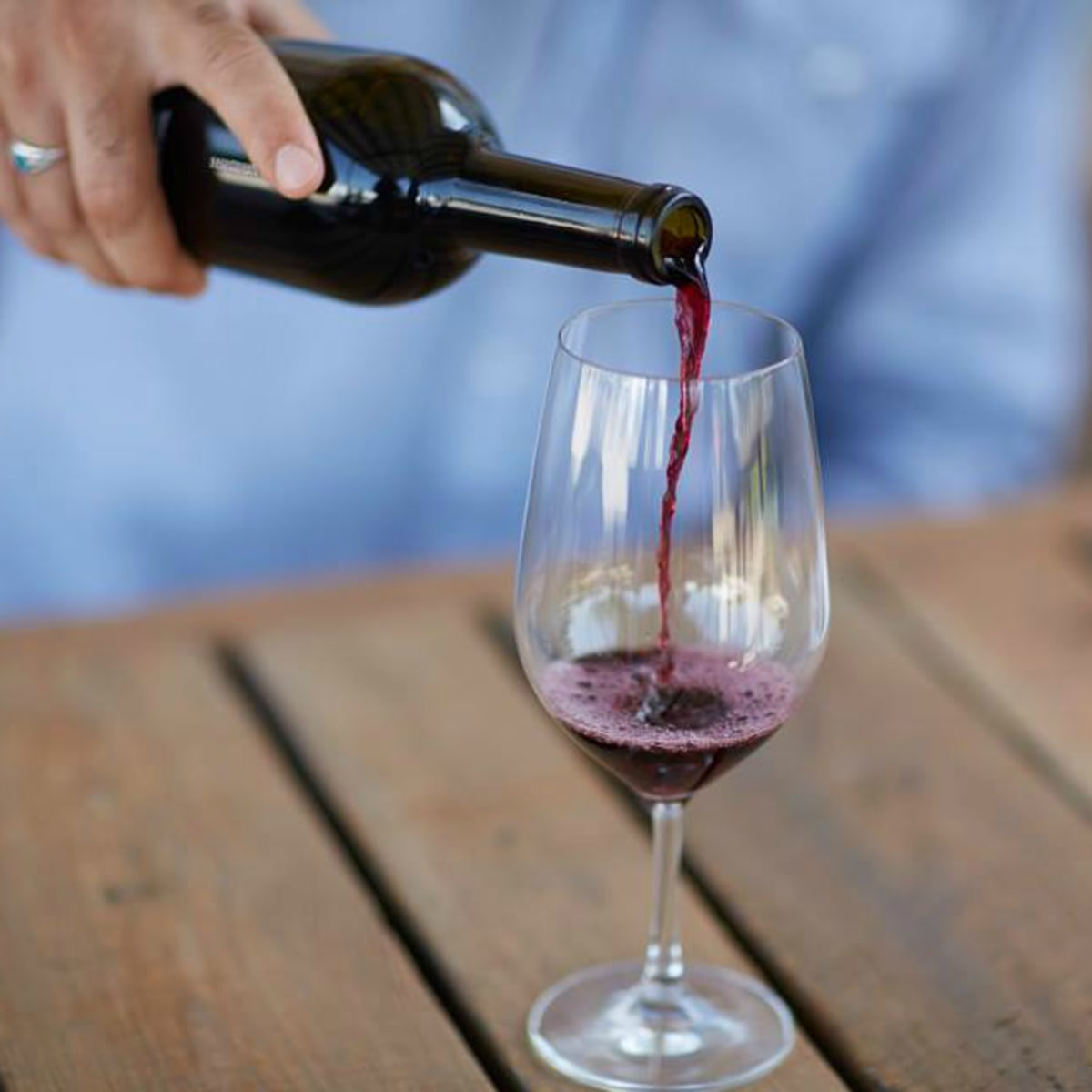 Fork & Vine wine glass pour Austin restaurant 2015