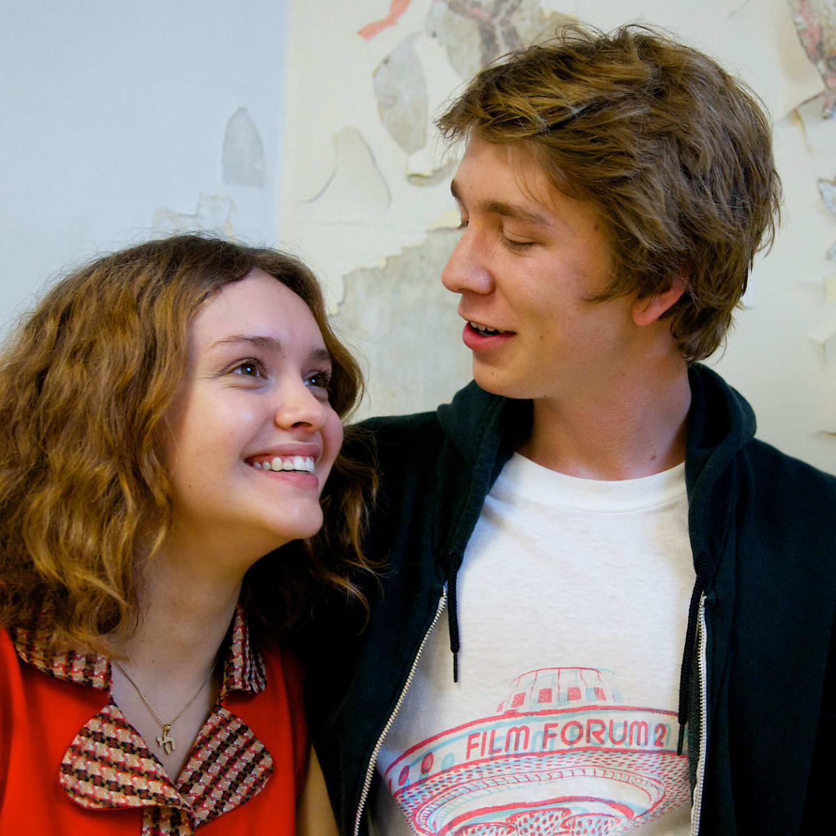 Olivia Cooke and Thomas Mann in Me and Earl and the Dying Girl