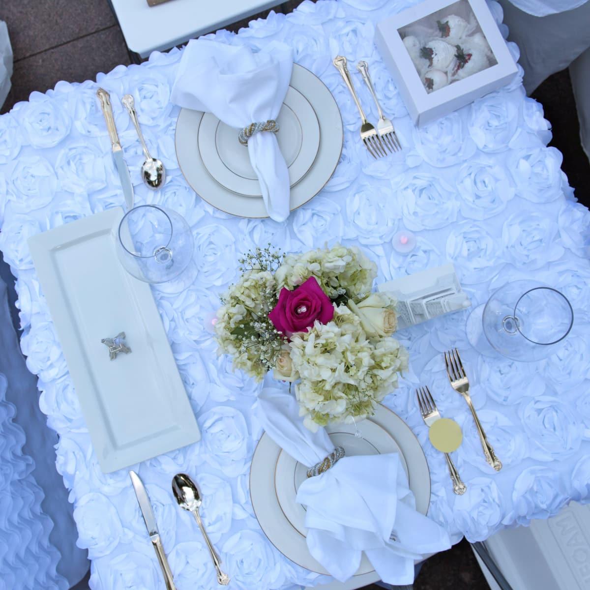Houston, Diner en Blanc, June 2015, table setting