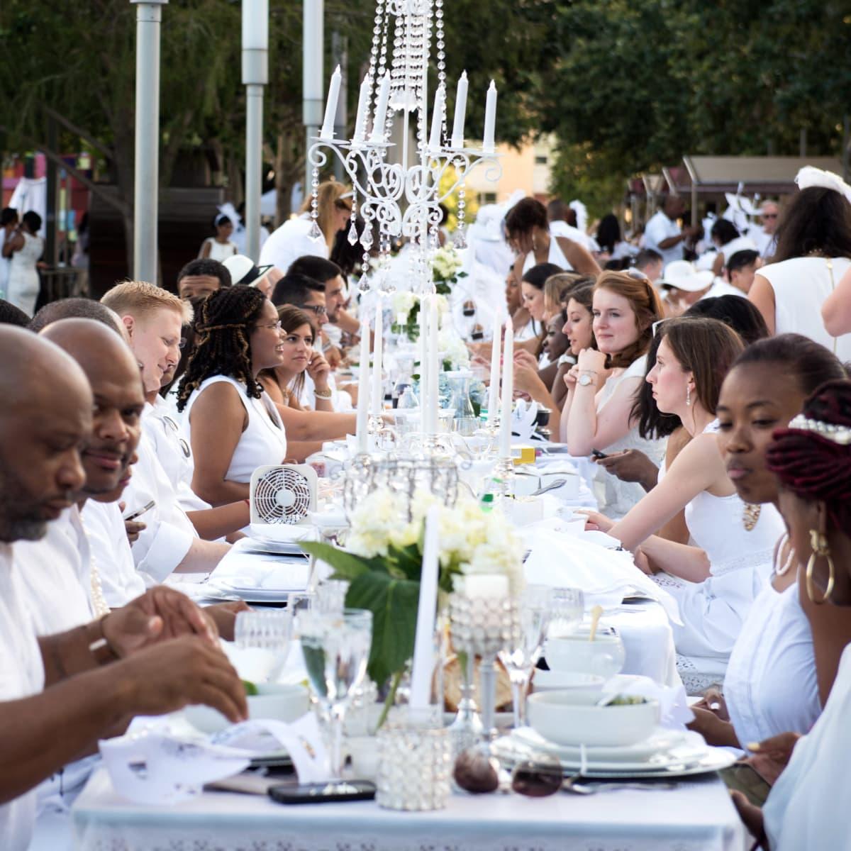 Houston, Diner en Blanc, June 2015, crowd shot
