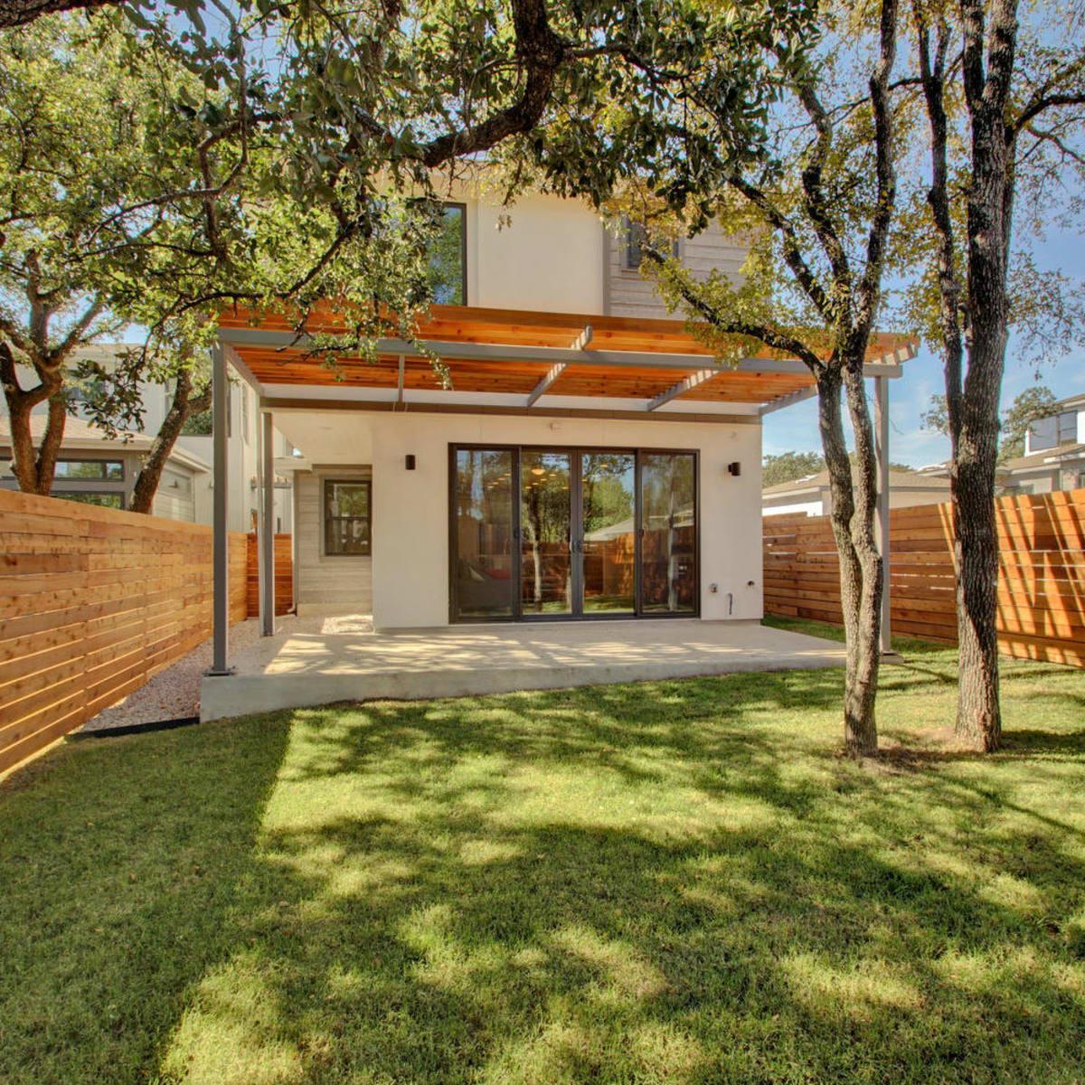 Cima Serena backyard