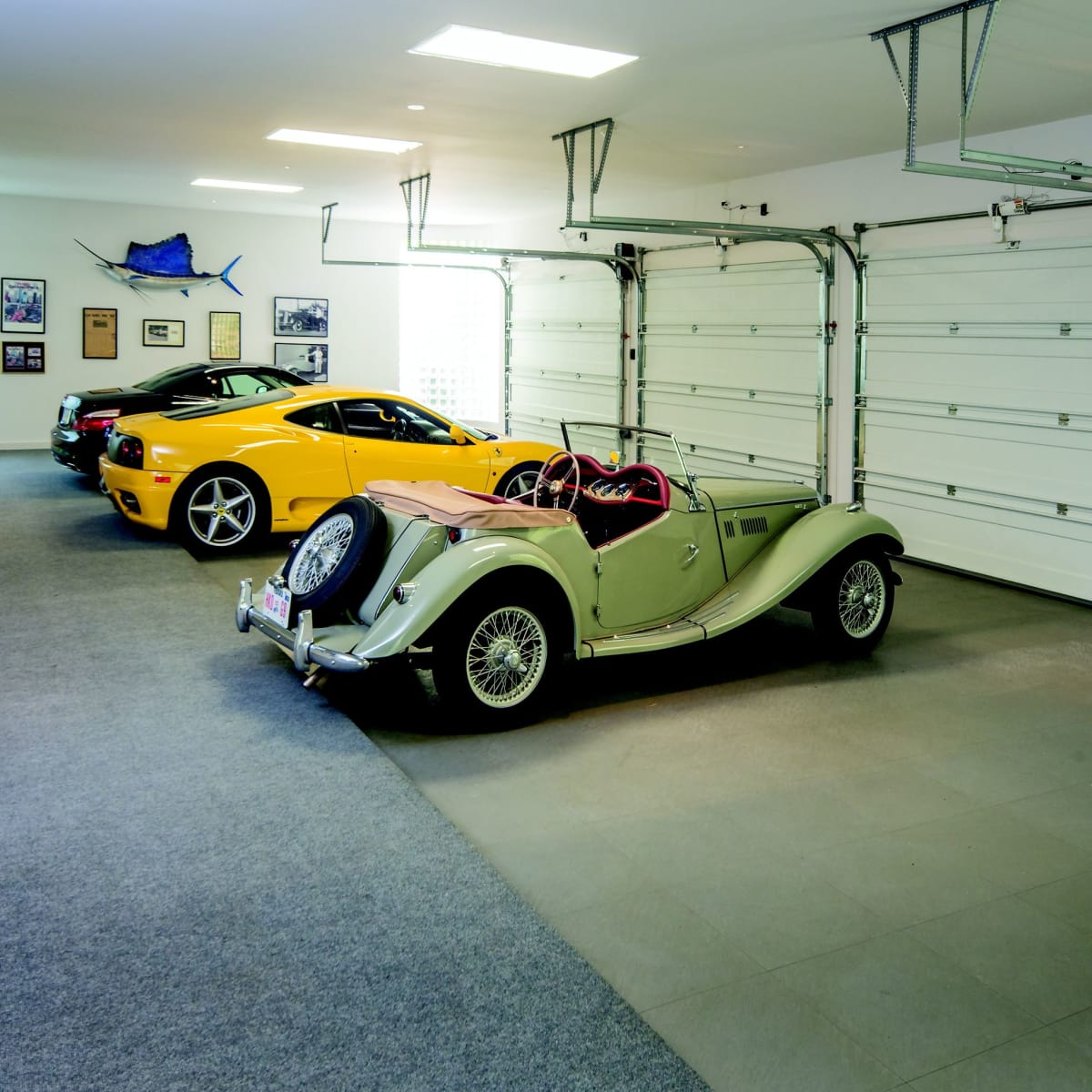 2930 Lazy Lane 4-car garage