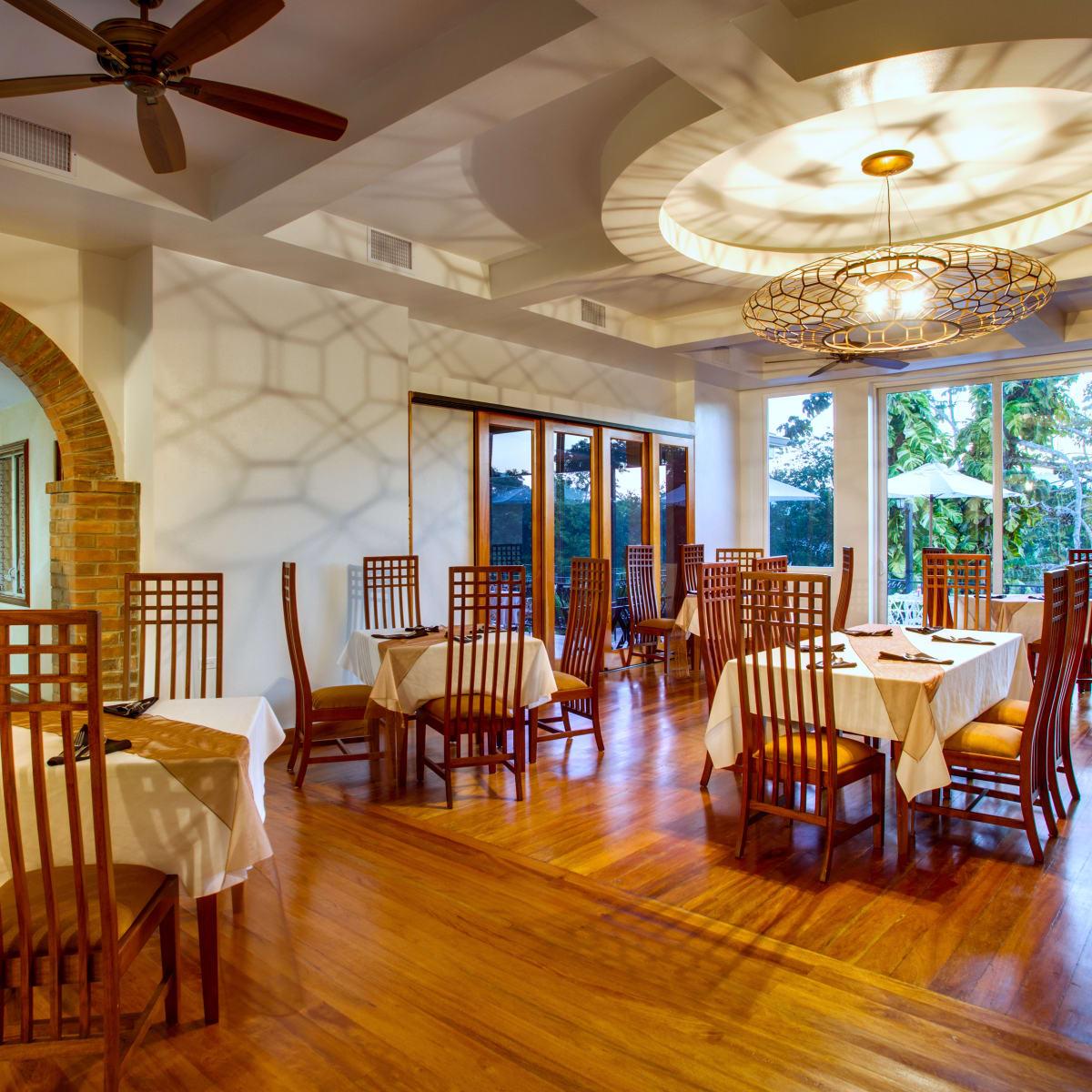 San Ignacio Resort Hotel, Belize, dining