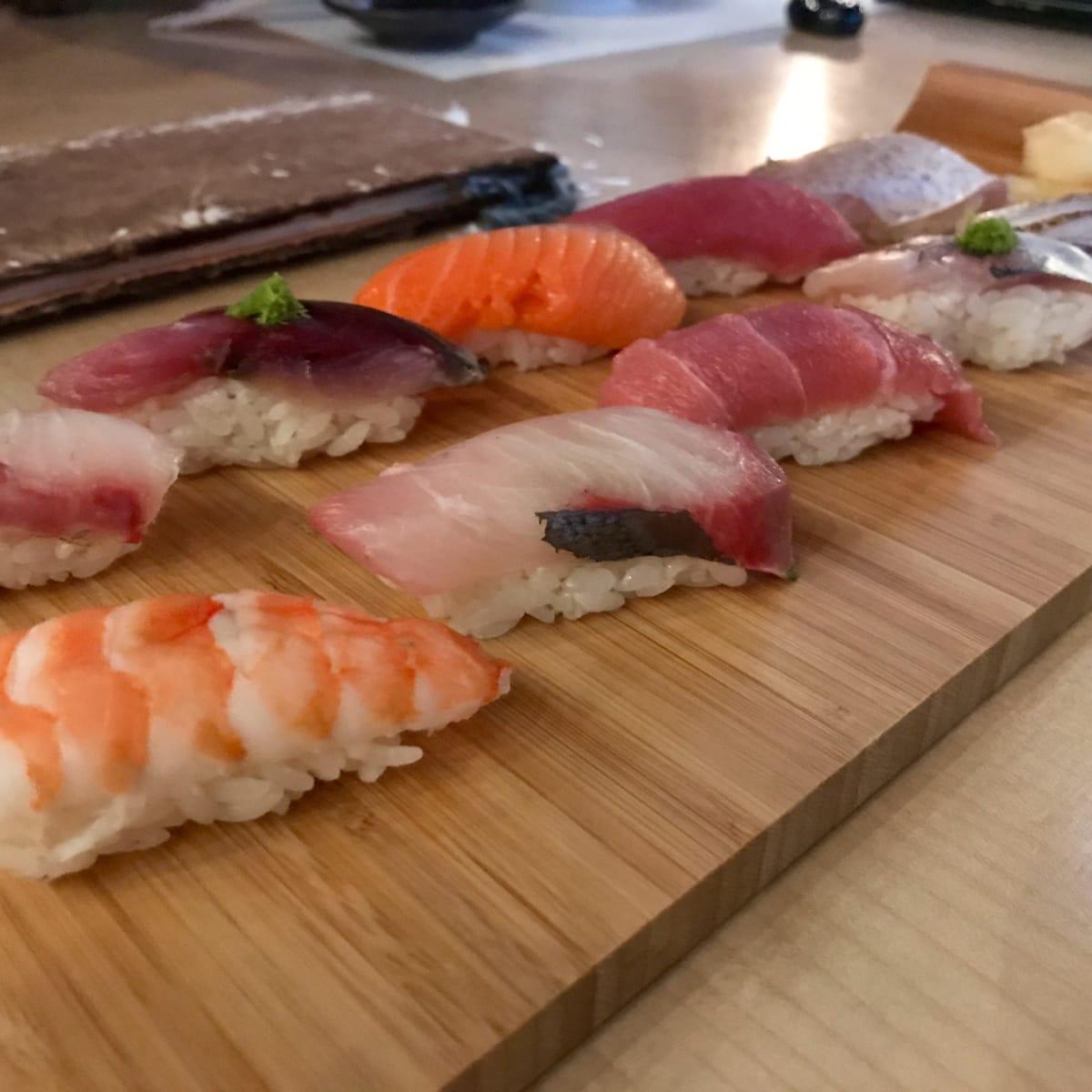 Kukuri sushi platter