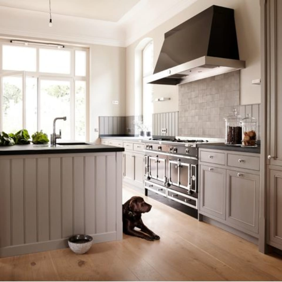 Houzz farmhouse kitchen shaker cabinets