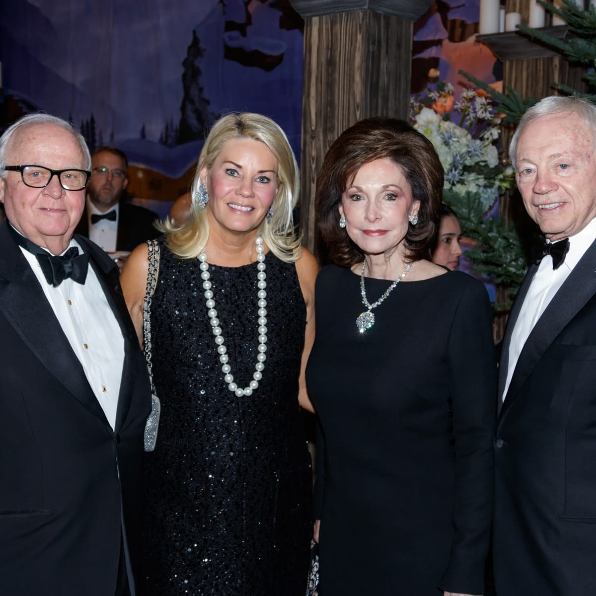 Gerald Ford, Kelli Ford, Gene Jones, Jerry Jones, Crystal Charity 2017