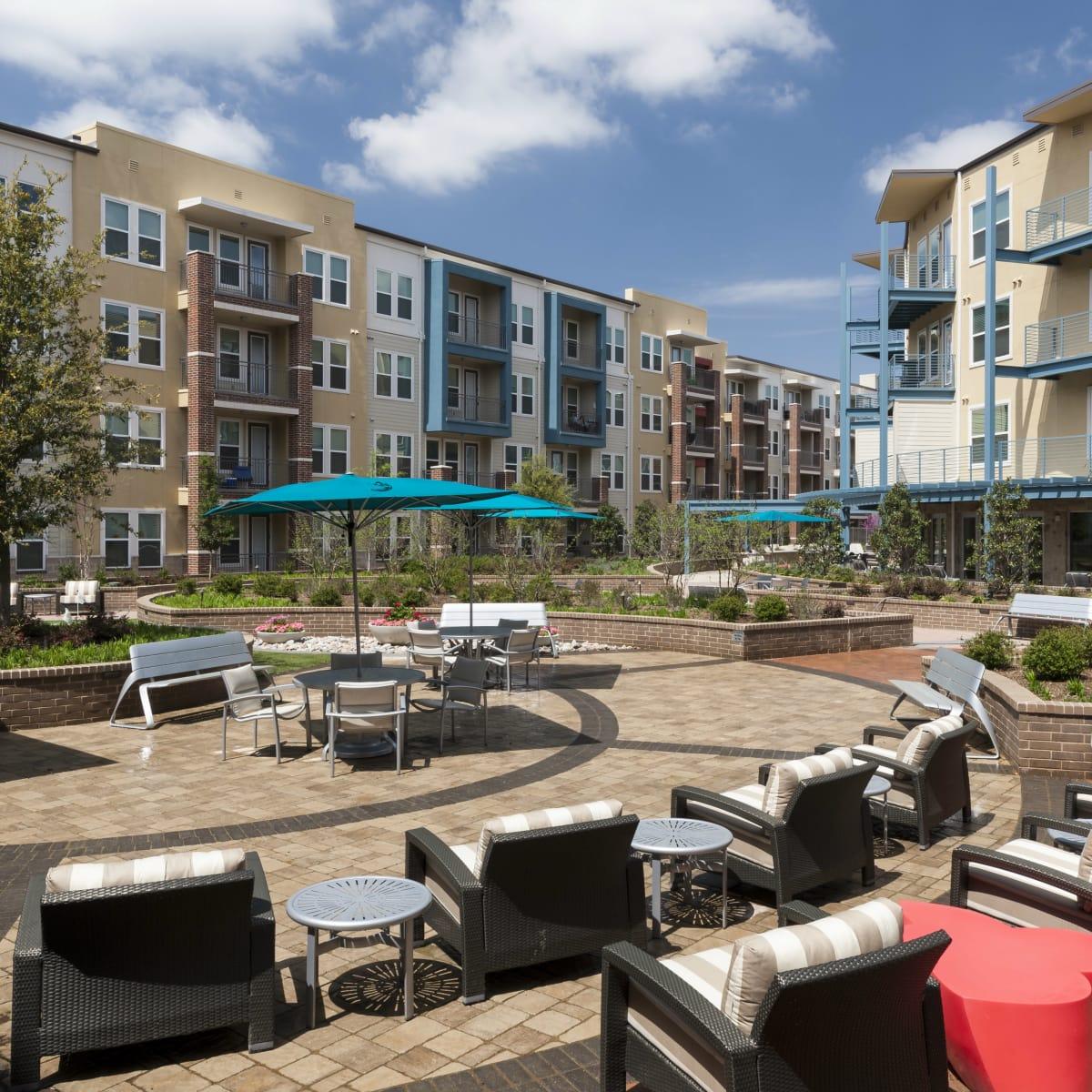 Landmark on Lovers apartments Dallas