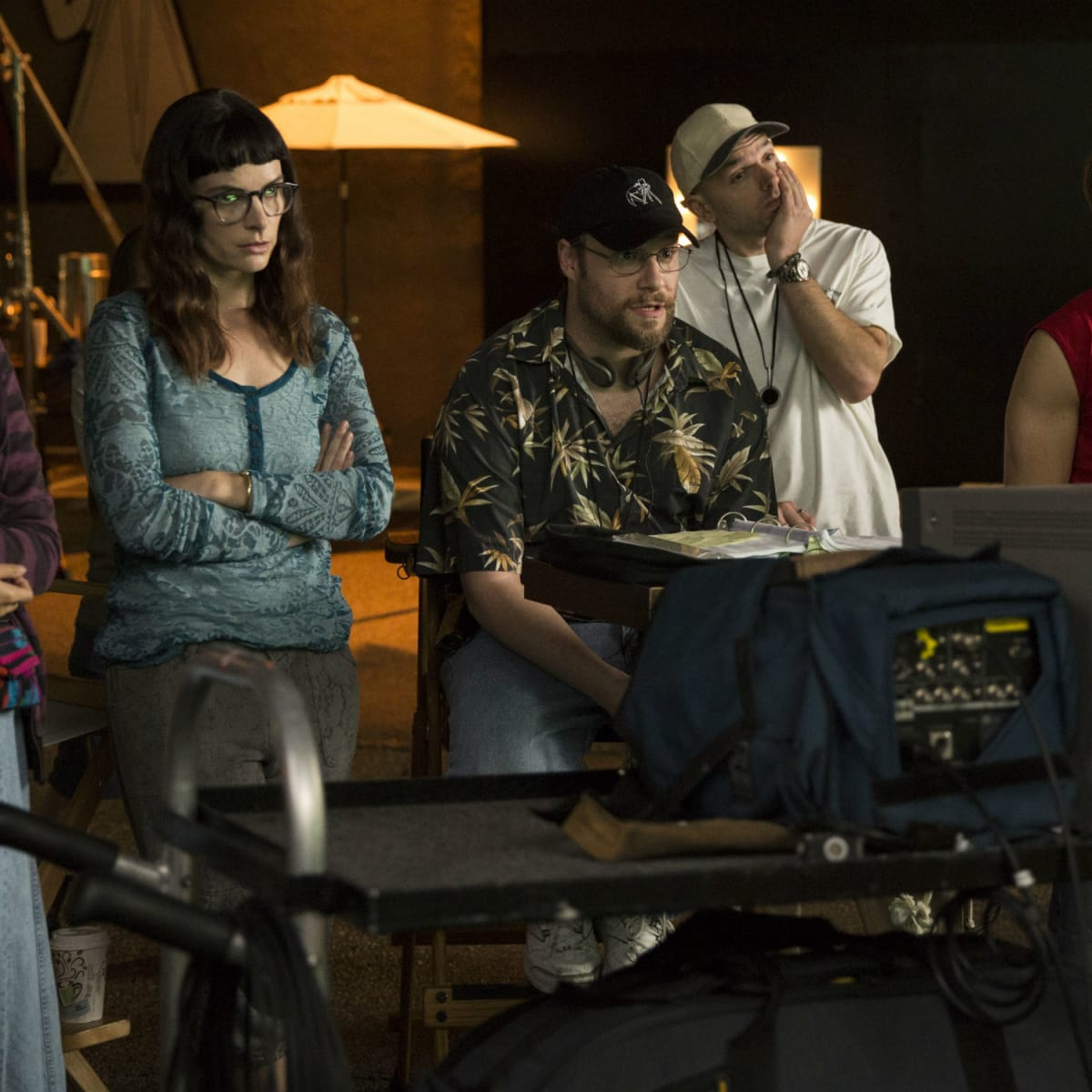 Charlyne Yi, Kelly Oxford, Seth Rogen, Paul Scheer, and Dave Franco in The Disaster Artist