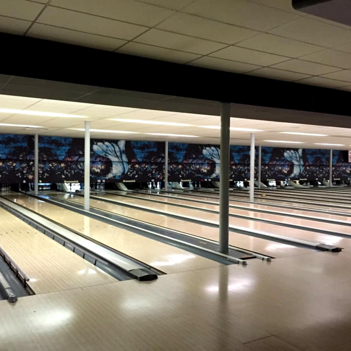 Palace Lanes bowling alley
