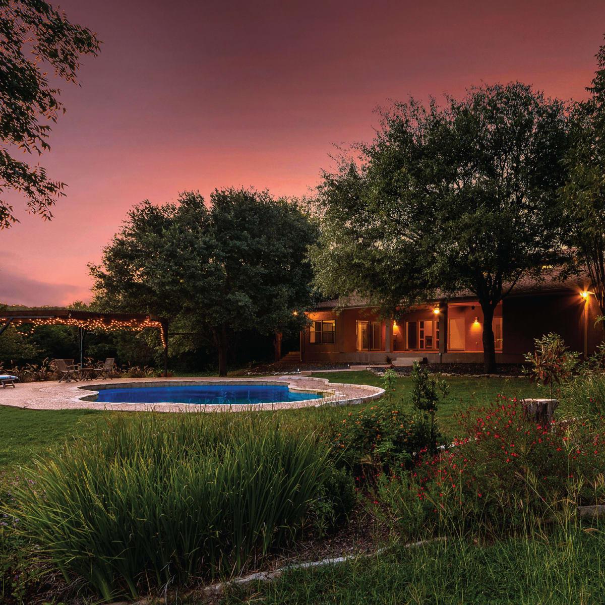 8909 Glenlake house for sale