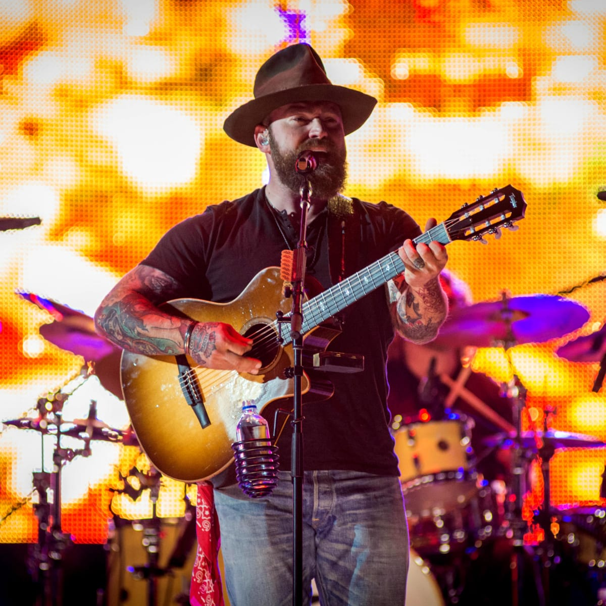 Zac Brown Band Zac Brown mid-song singing