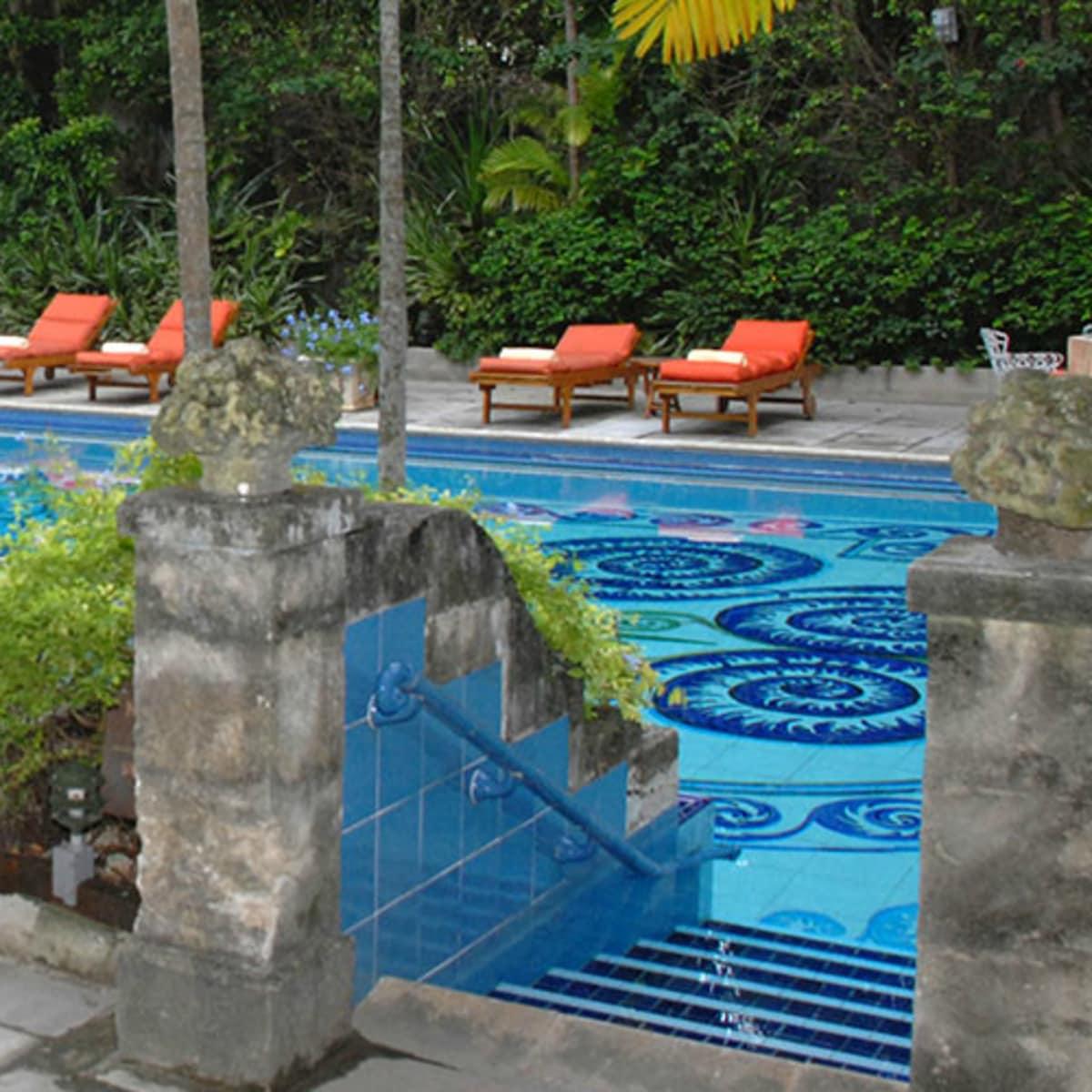 Graycliff Hotel pool exterior