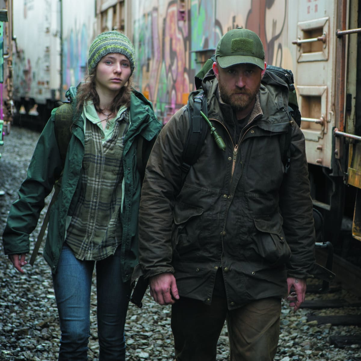 Alyssa McKay and Ben Foster in Leave No Trace