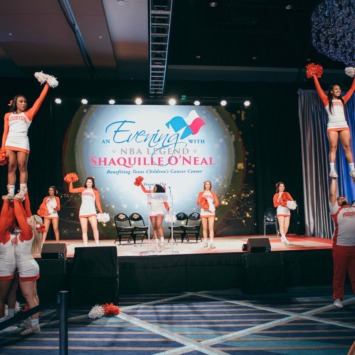 Shaquile O' Neal UH cheerleaders