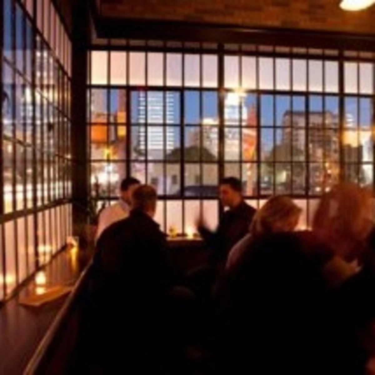 austin photo: places_food_haddingtons_window