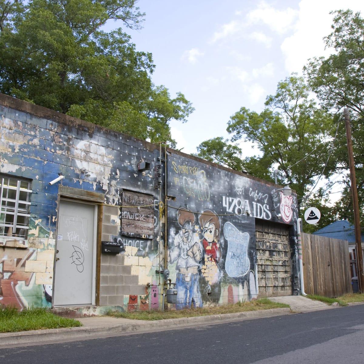 Austin photo: Places_Arts_Okay_Mountain_Gallery_Exterior