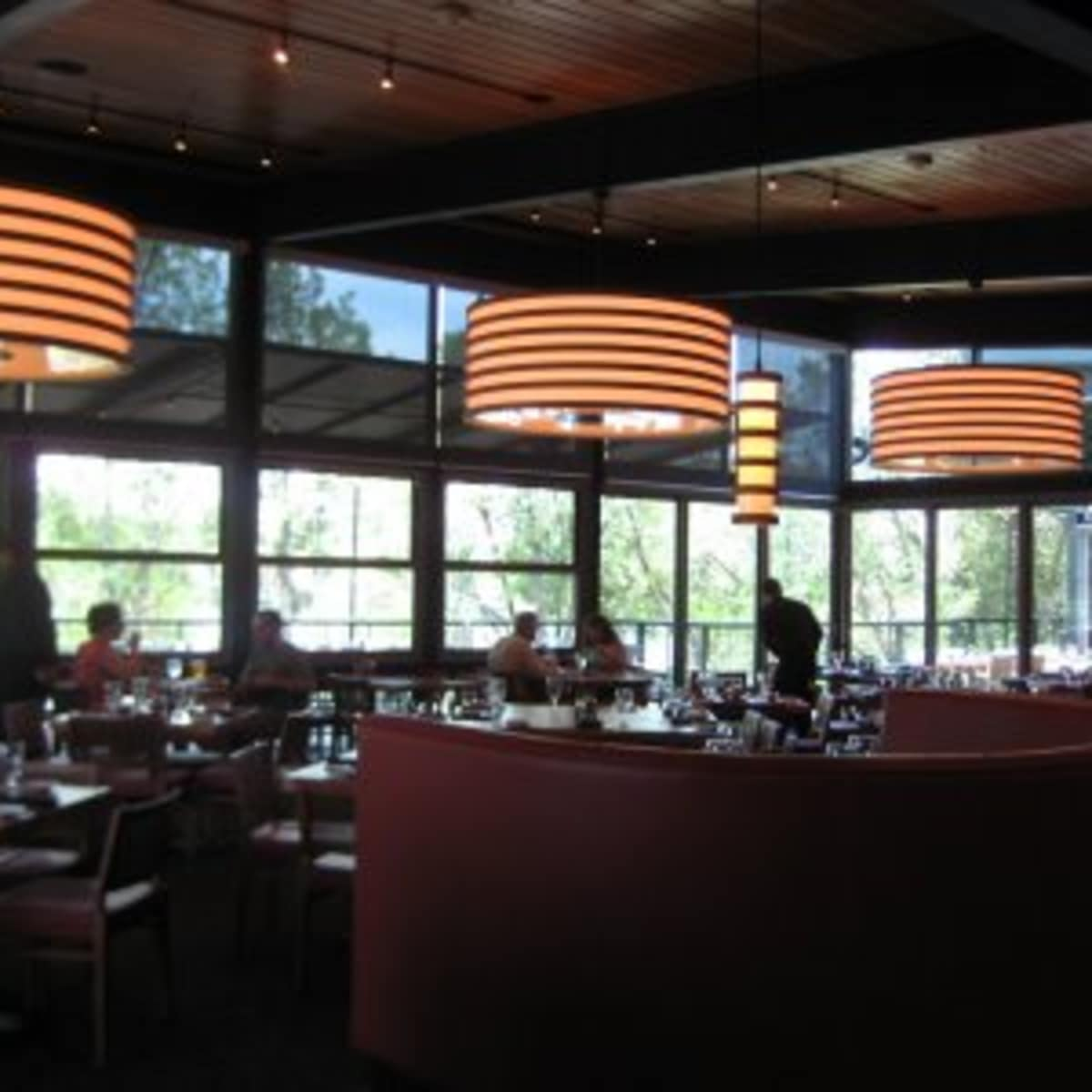 Austin_photo: places_food_roaring_fork_interior