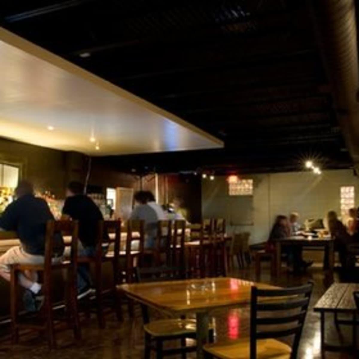 Austin Photo: Places_Bar_nomad_bar_interior