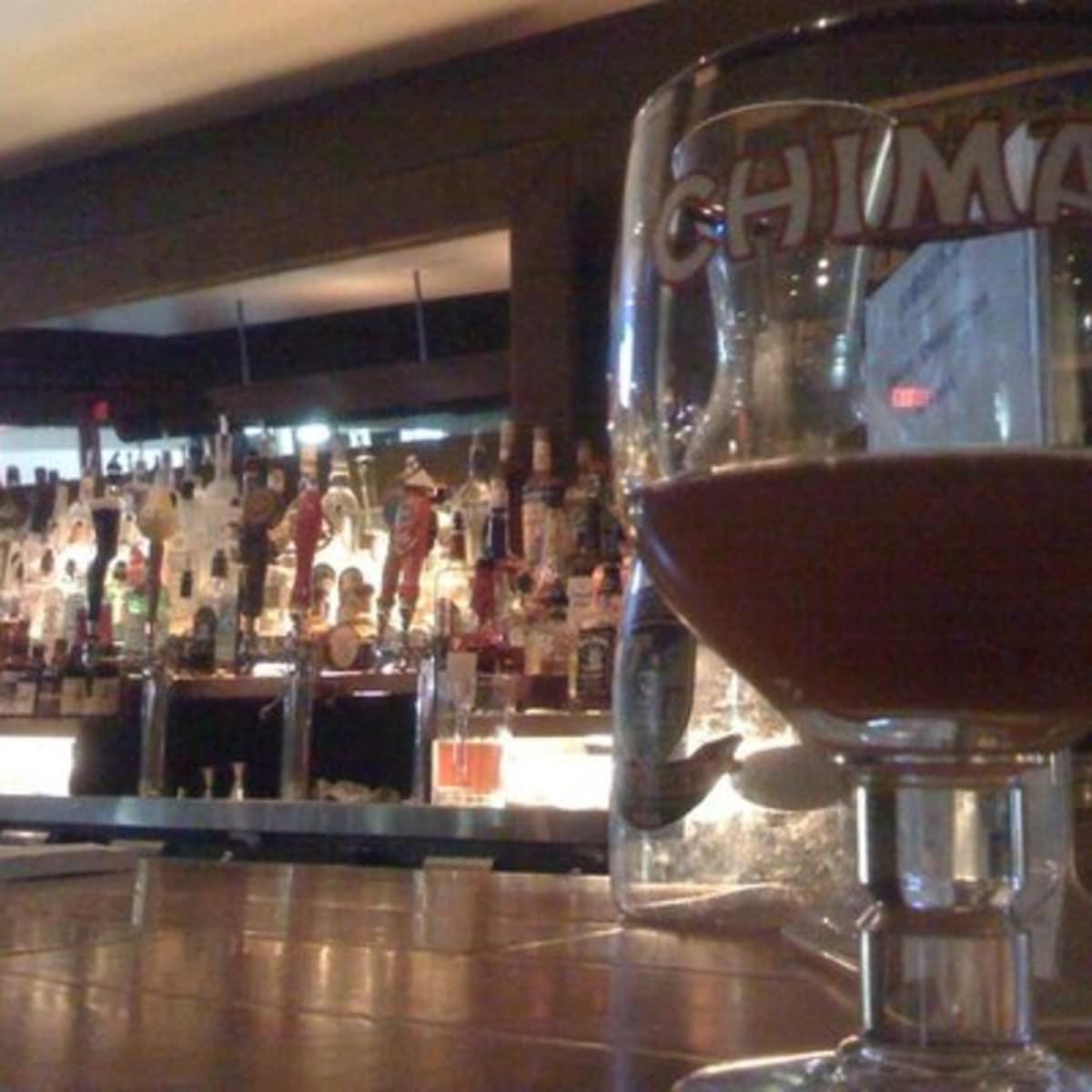 Austin Photo: Places_Bar_nomad_bar_glass