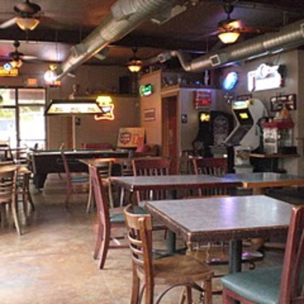 Austin_photo: places_drinks_barton springs saloon_inside