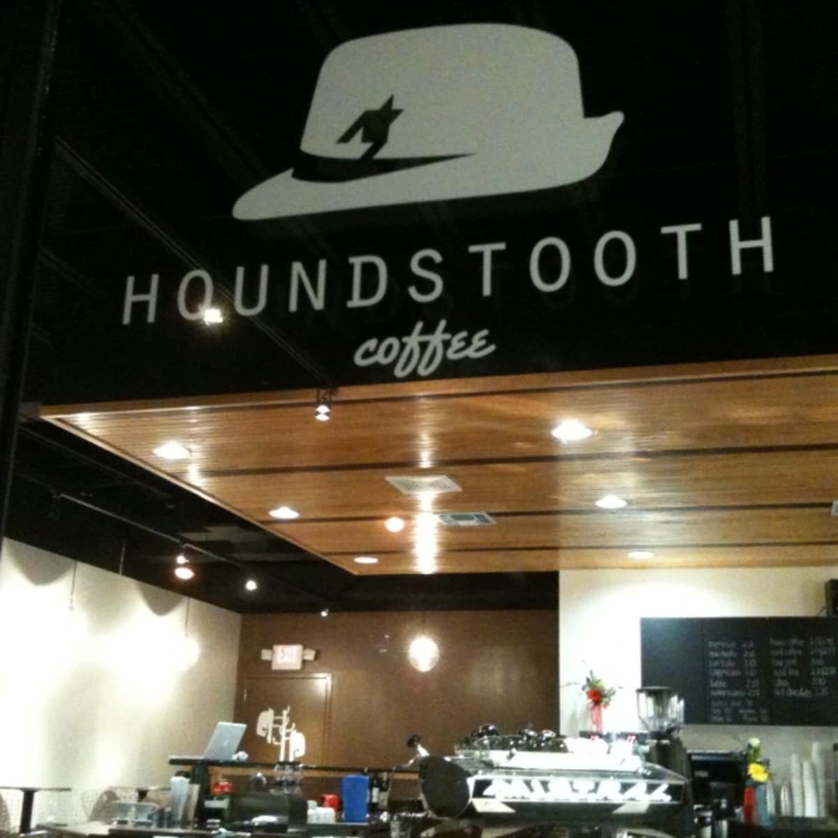 Austin_photo: places_drinks_houndstooth_exterior