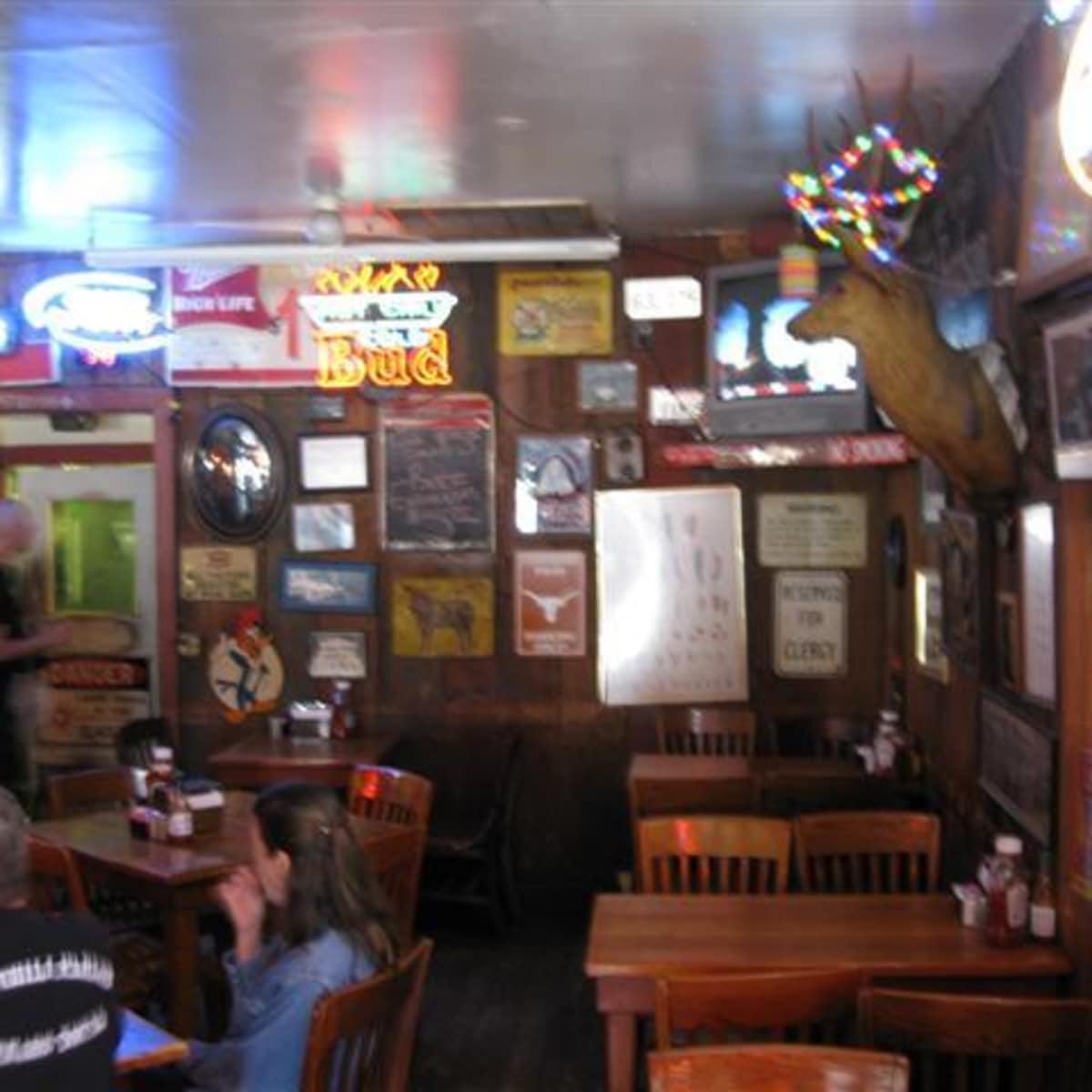Austin_photo: places_food_texaschiliparlor_bar