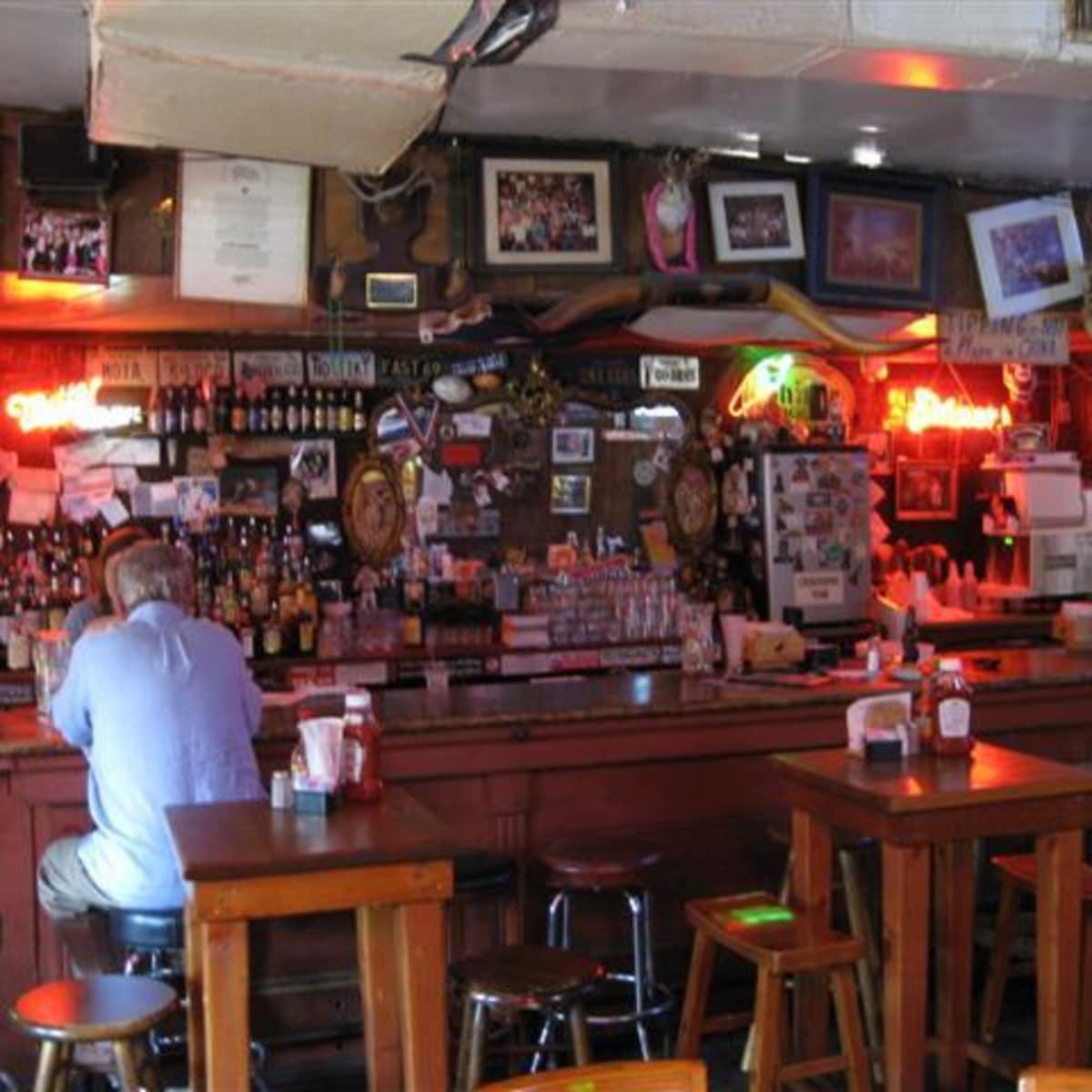 Austin_photo: places_food_texaschiliparlor_interior