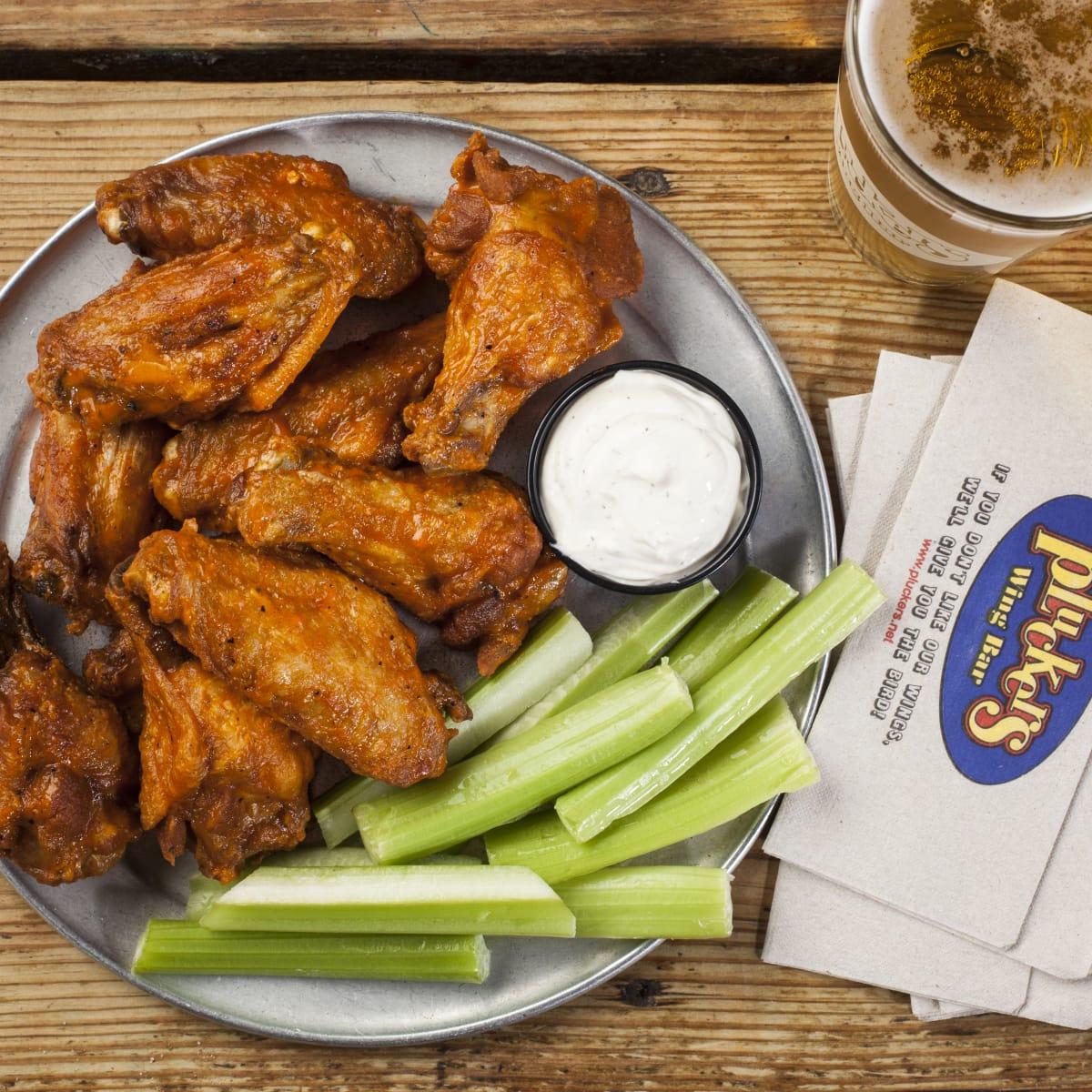 Pluckers 10 piece wings