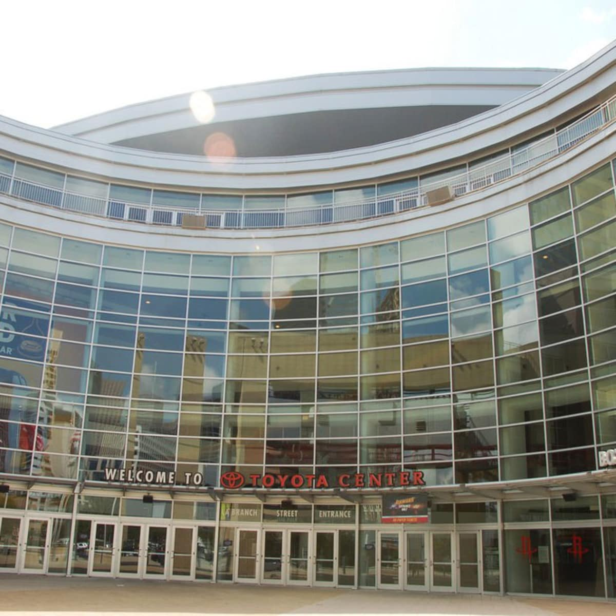 Places-A&E-Toyota Center-exterior-1