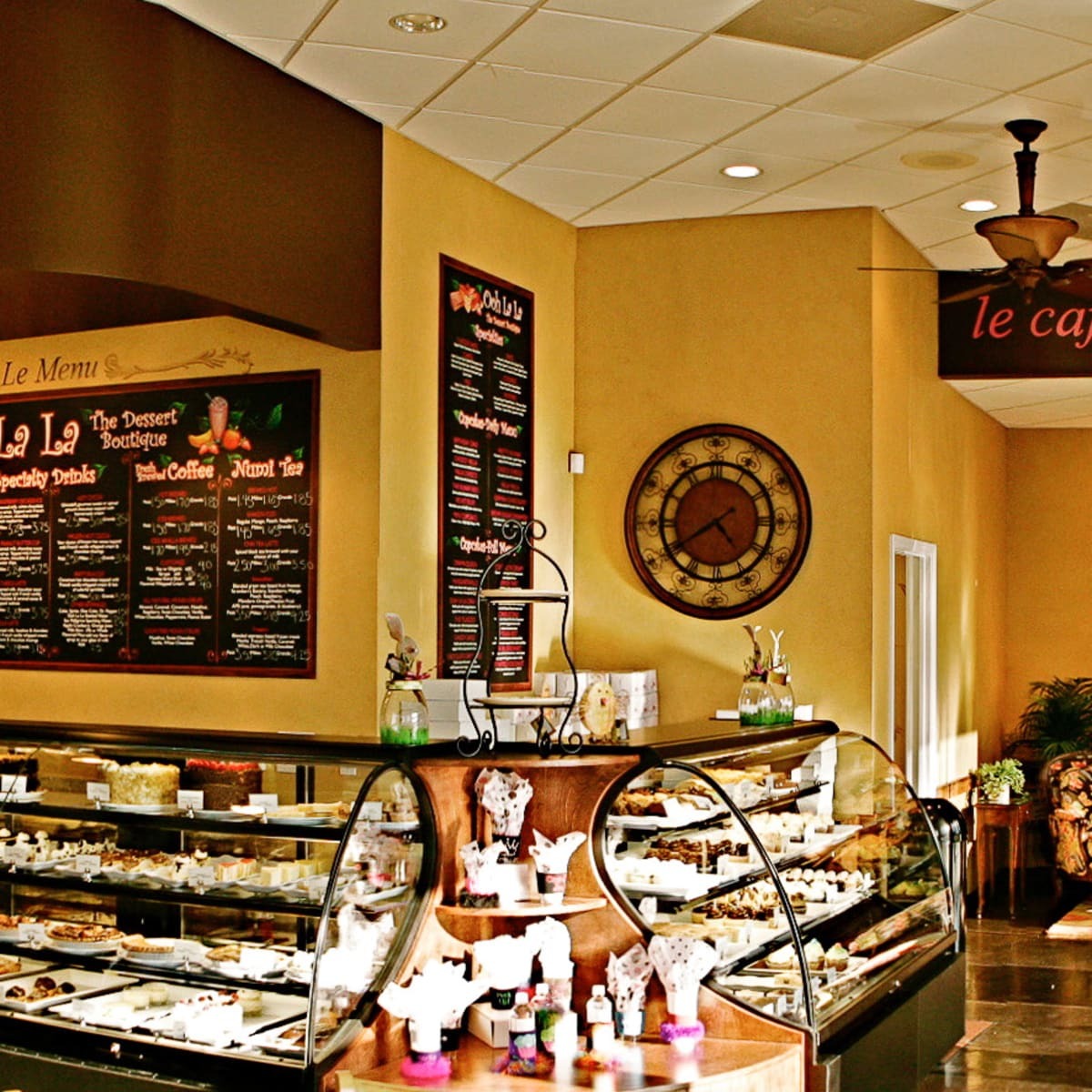 Places_Food_Ooh La La_interior