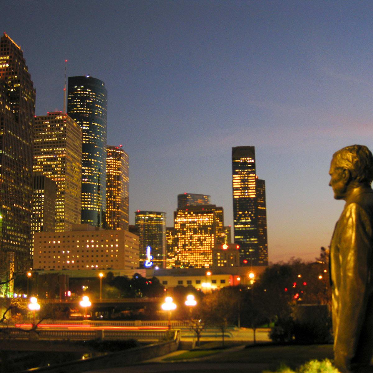 News_Peter Barnes_audio tours_downtown_George Bush_statue