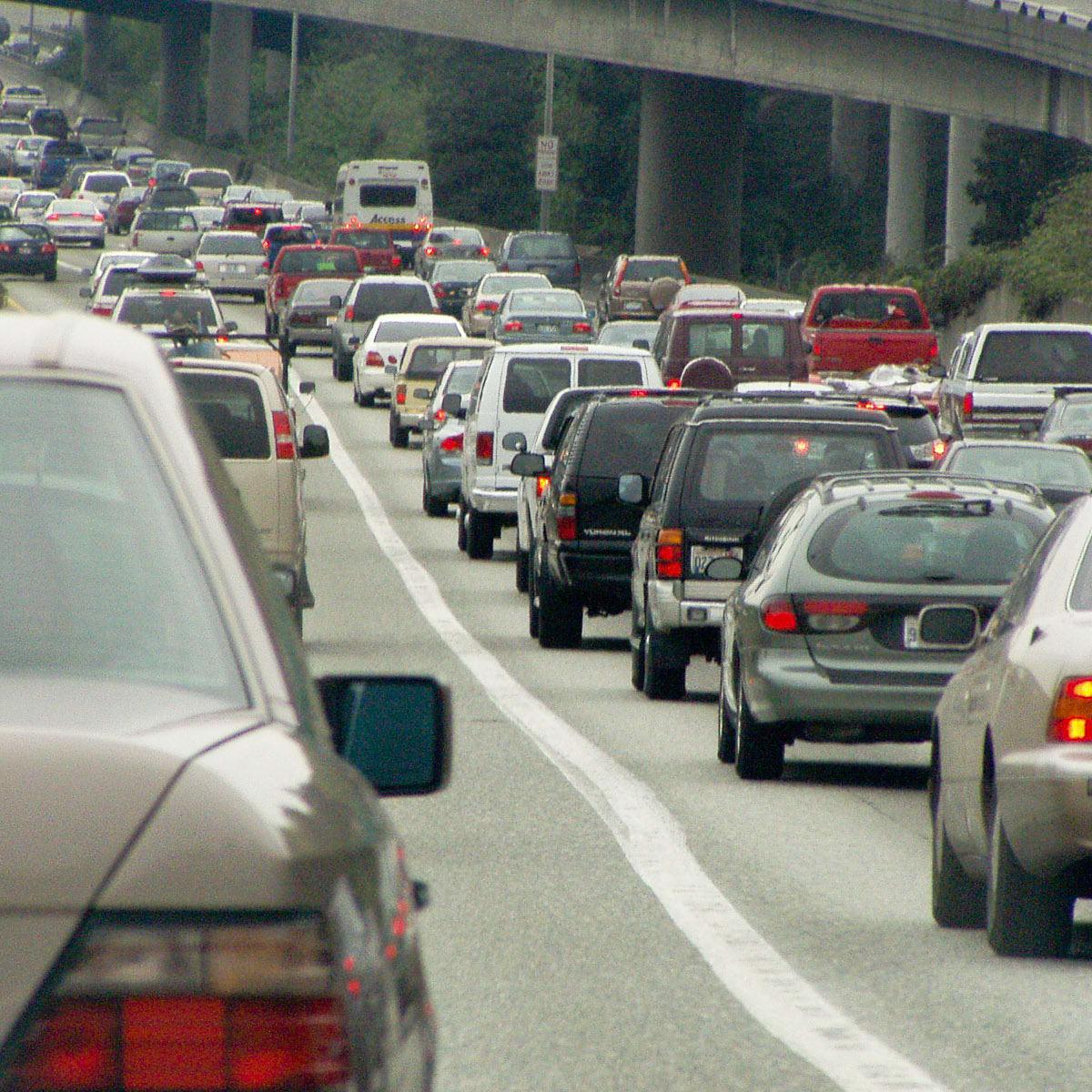 News_traffic jam_cars