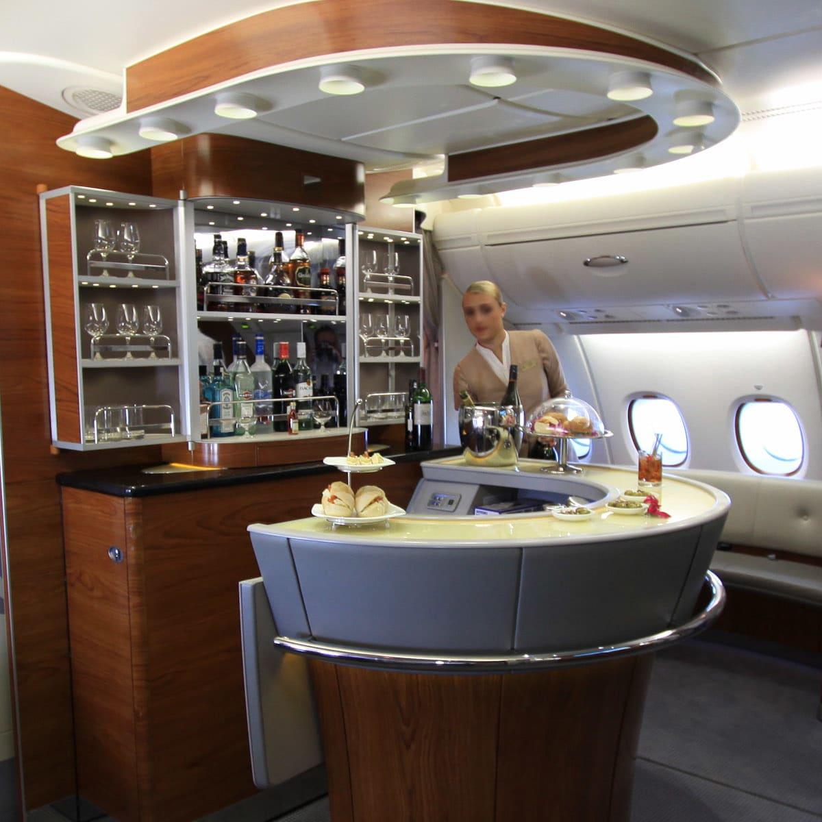 News_Emirates_business_class_bar