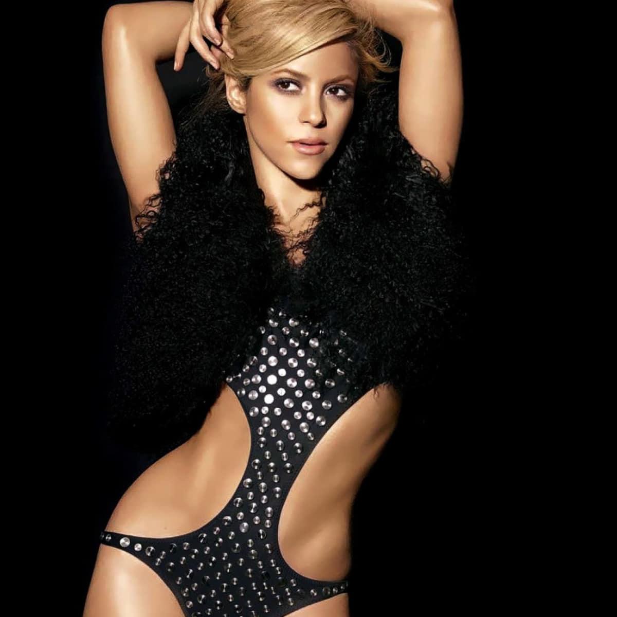 News_Michael D. Clark_concert pick_Shakira