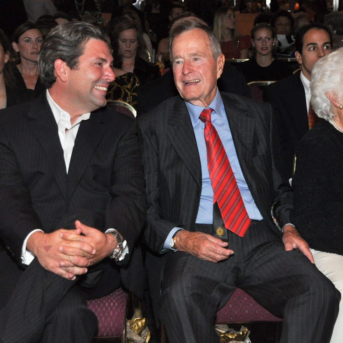 News_Houston Fashion Week_Jared Lang,_George HW Bush_Barbara Bush_Oct. 2010