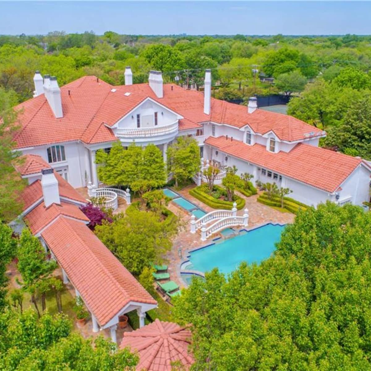 Dallas palace for sale, 9006 Douglas Ave.