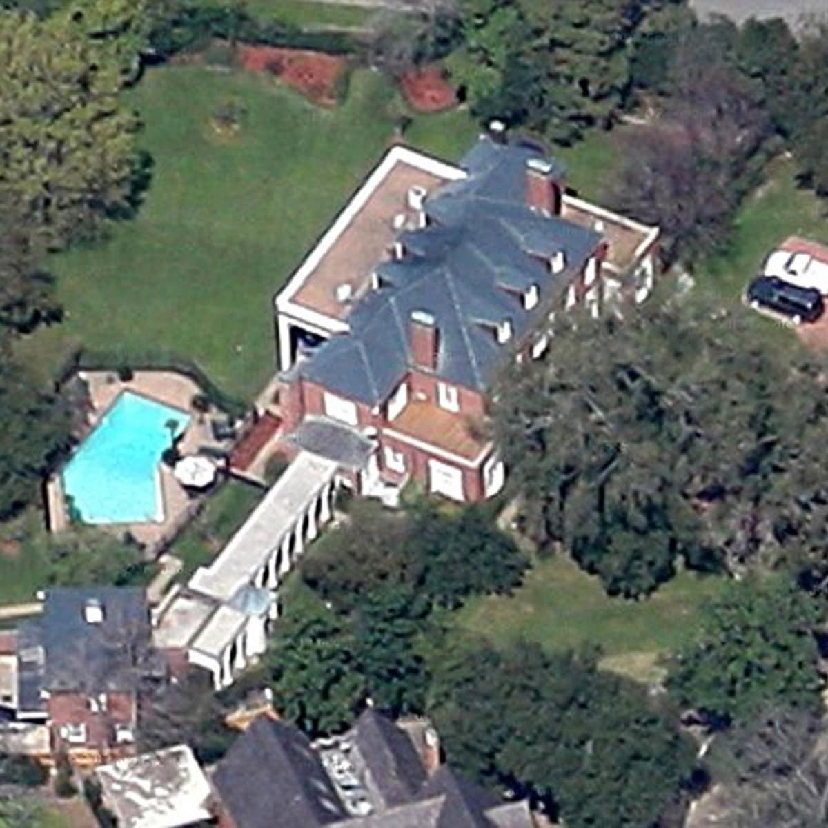 Fayez Sarofim to marry Susan Krohn January 2014 River Oaks home aerial