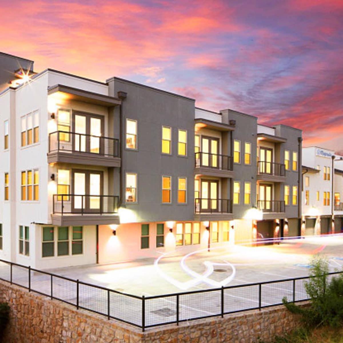 Magnolia at Mistletoe Heights apartment Fort Worth