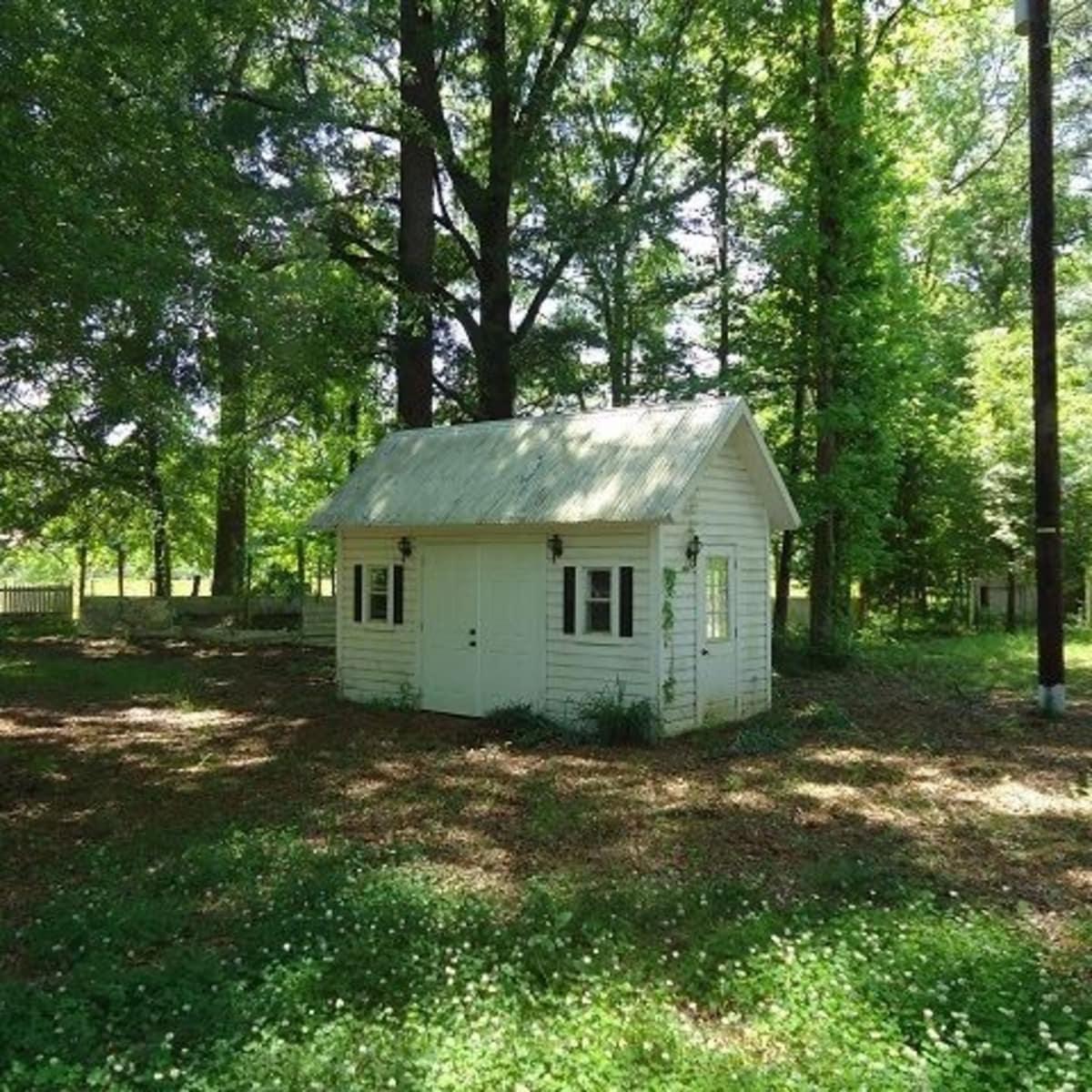 794 FM 2694, Shelbyville