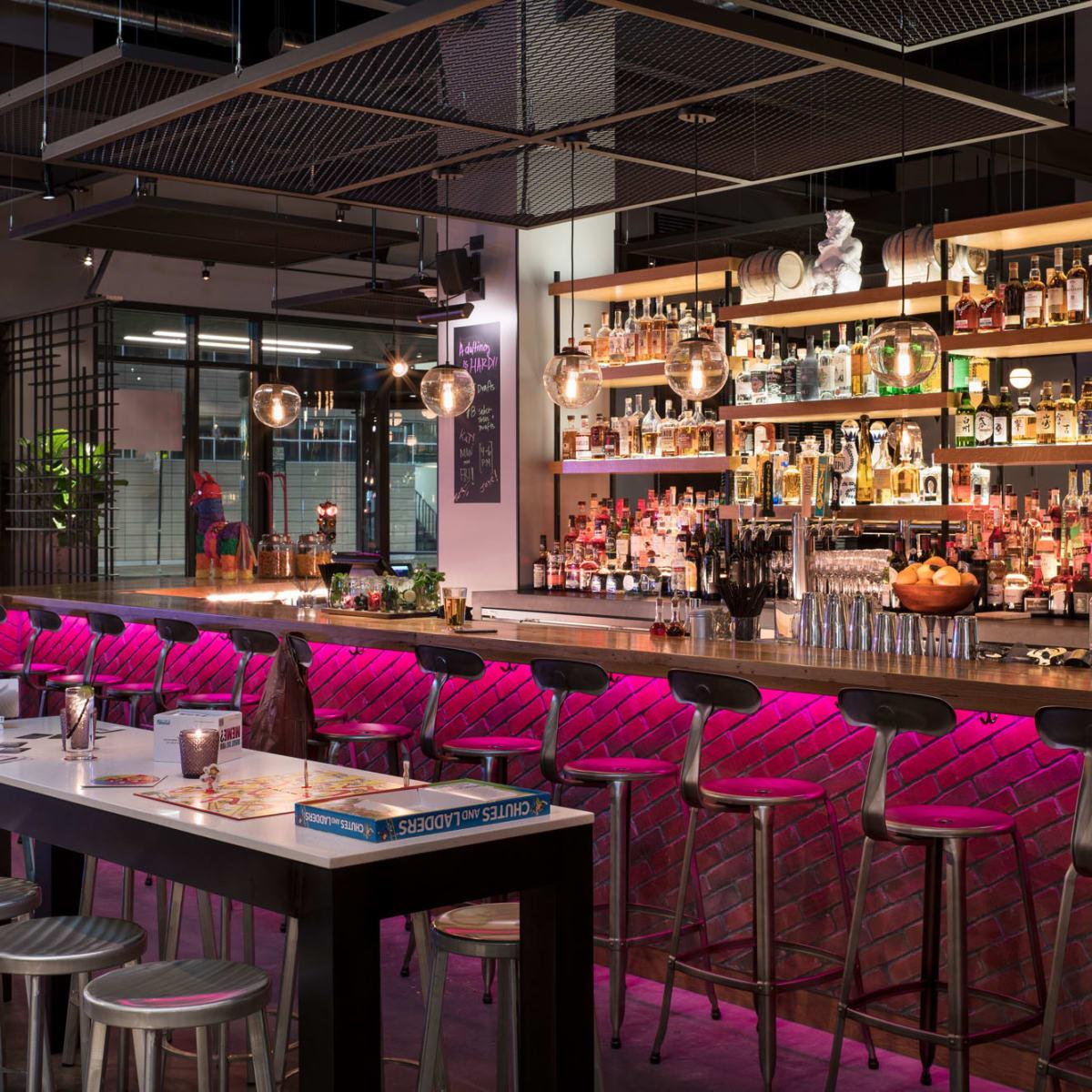 Bar Moxy Chicago