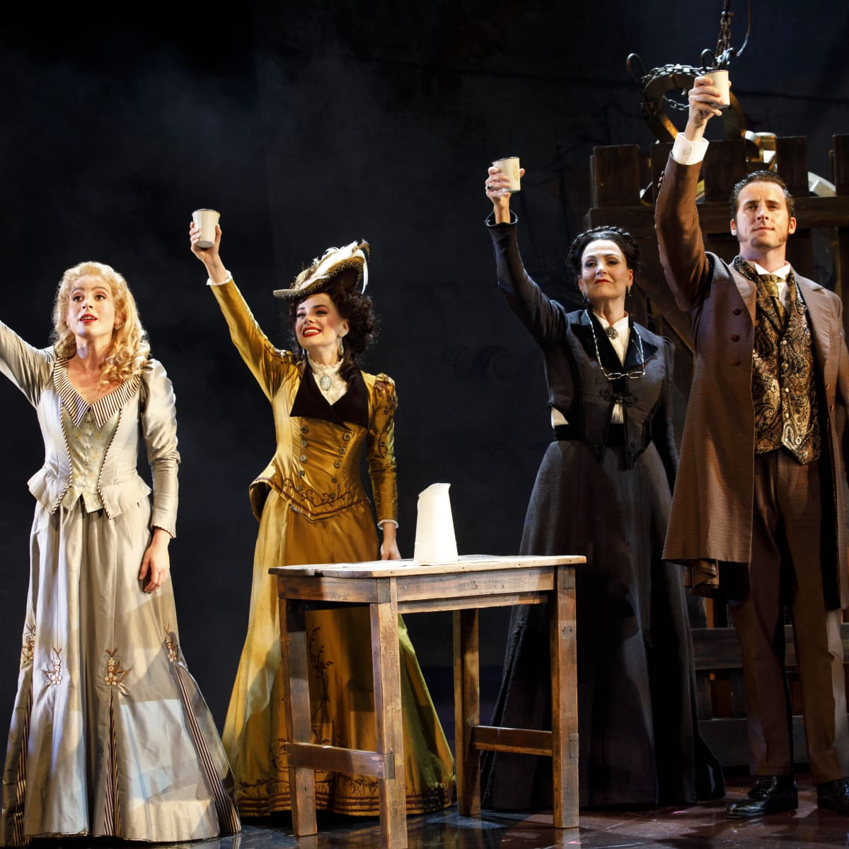 Mary Michael Patterson, Meghan Picerno, Karen Mason,  and Sean Thompson in Love Never Dies