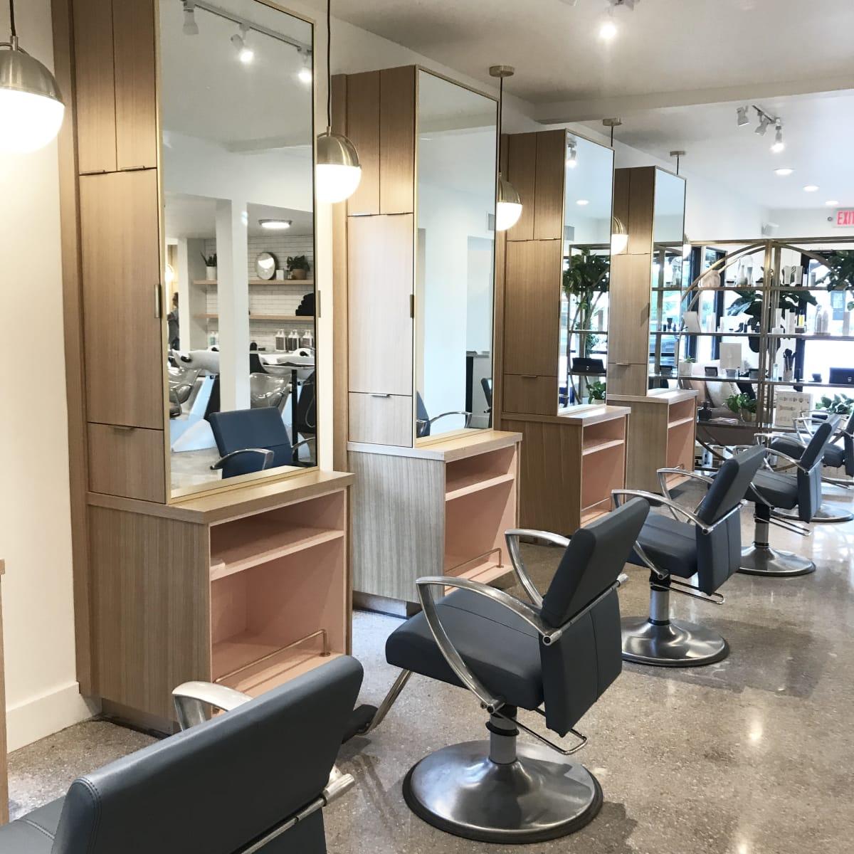 Mirror Mirror North Austin hair salon