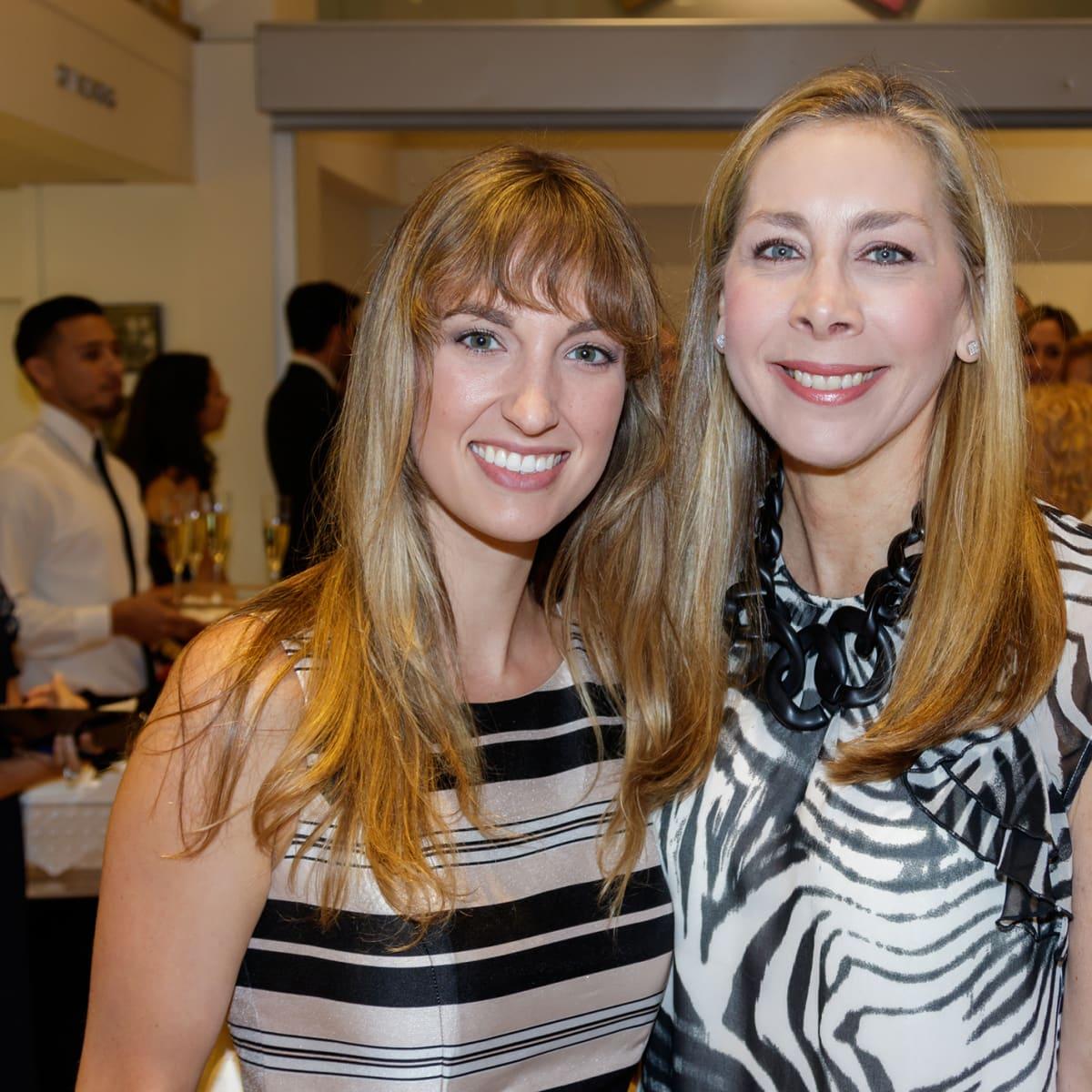 Kate Reagan, Wendy Holder