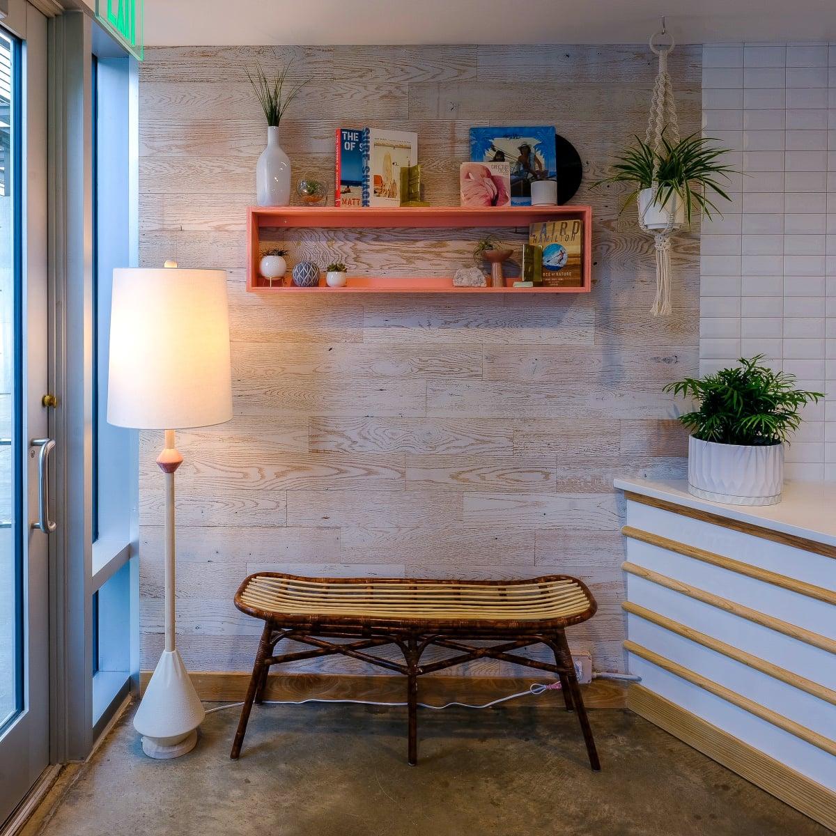 Malibu Poke interior 3