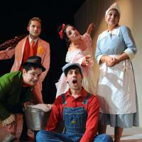 Teatro Dallas presents El Barquito de Papel