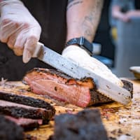 Feges BBQ slicing barbecue brisket