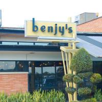 Places-Eat-Benjy's-Village-exterior-1
