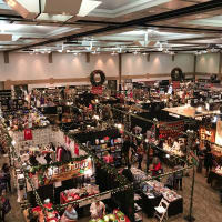 'Neath the Wreath Holiday Gift Market