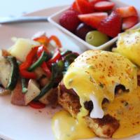 Brunch, eggs benedict, Perch