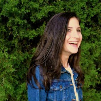 Rachael Abrams Azouz Headshot 2015
